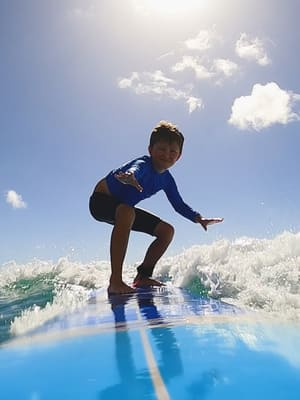 kid surf lessons waikiki